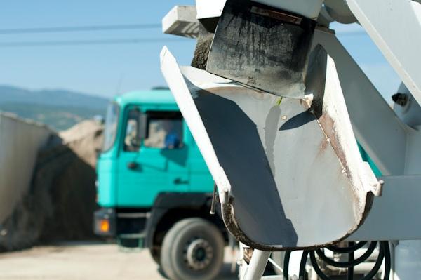 cement pumping truck 600x399